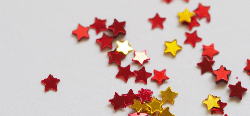 Maroon and gold stars.